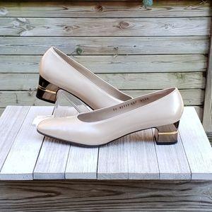Salvatore Ferragamo Pumps Gold Logo Band Heel